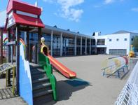 紫幼稚園外観